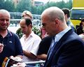 Bruce Willis shaking hands at Cinedom premiere-03Flickr.jpg