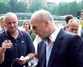 Bruce Willis shaking hands at Cinedom premiere-02Flickr.jpg