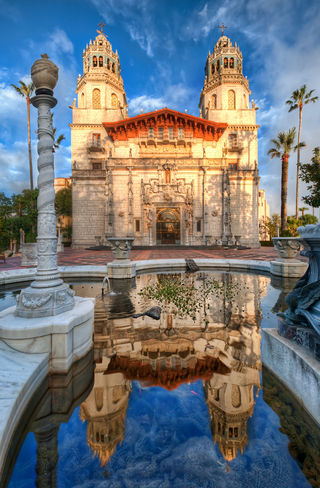Hearst Castle in San Simeon.jpg