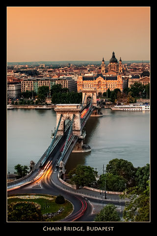 Chain Bridge, Budapest HDR Flickr3.jpg